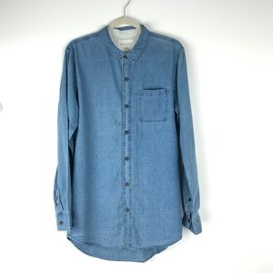 On The Byas Chambray Button Up Shirt Size Medium